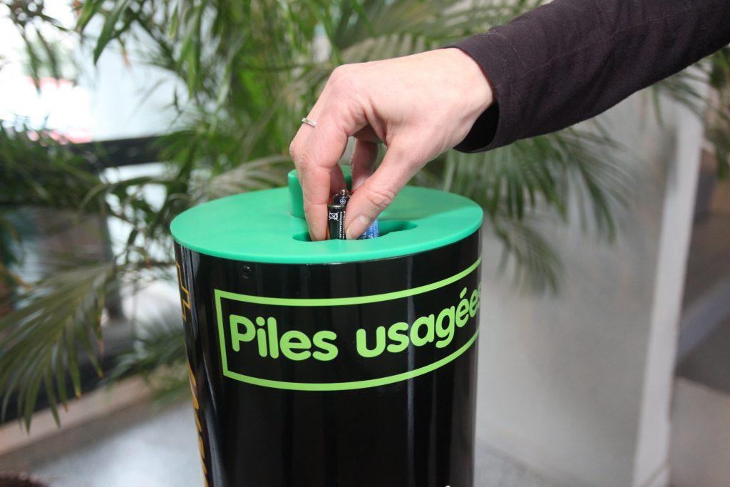 130214_bornes-recyclage-piles04