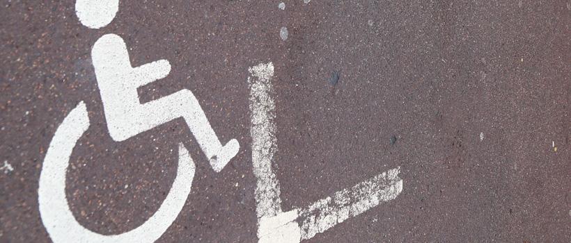 place-handicapee-marche03